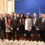 Les 19 signataires de l'accord-cadre national de partenariat pour l'Euro 2016 de football, le 8 décembre.