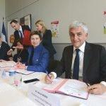 Herve Morin et Clotilde Valter signent la convention 500 000