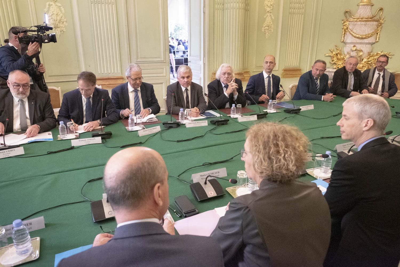 Les ministres du Travail, de l'Education nationale et de Culture ont réuni le 18 avril les représentants des filières formant aux métiers de la construction et de la rénovation.